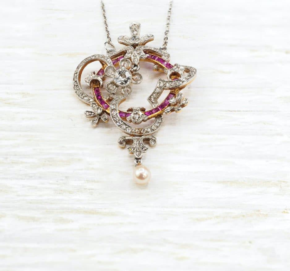 Pendentif diamants rubis