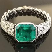 Bagues Art Deco émeraudes diamants