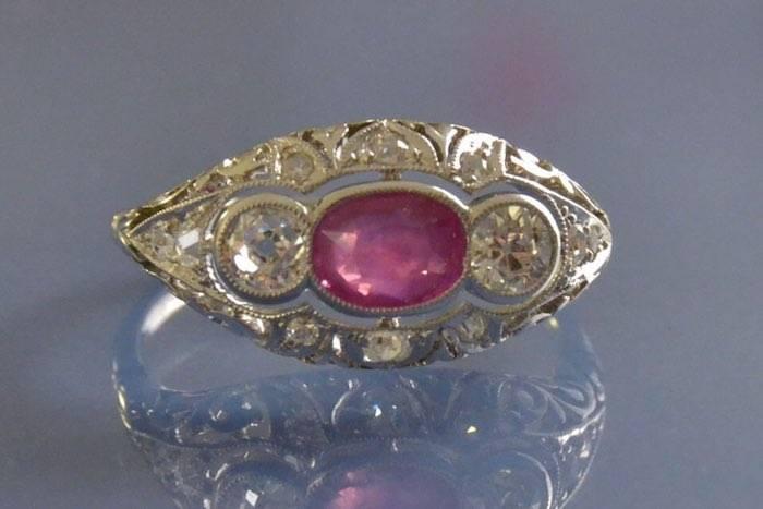 bijoux anciens rubis