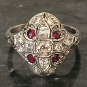 Bijoux art deco, bague rubis diamants art deco