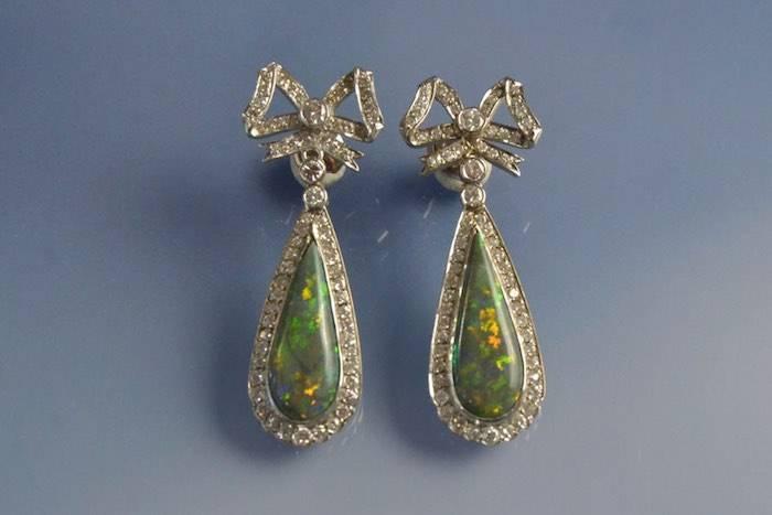 boucle d'oreilles opales