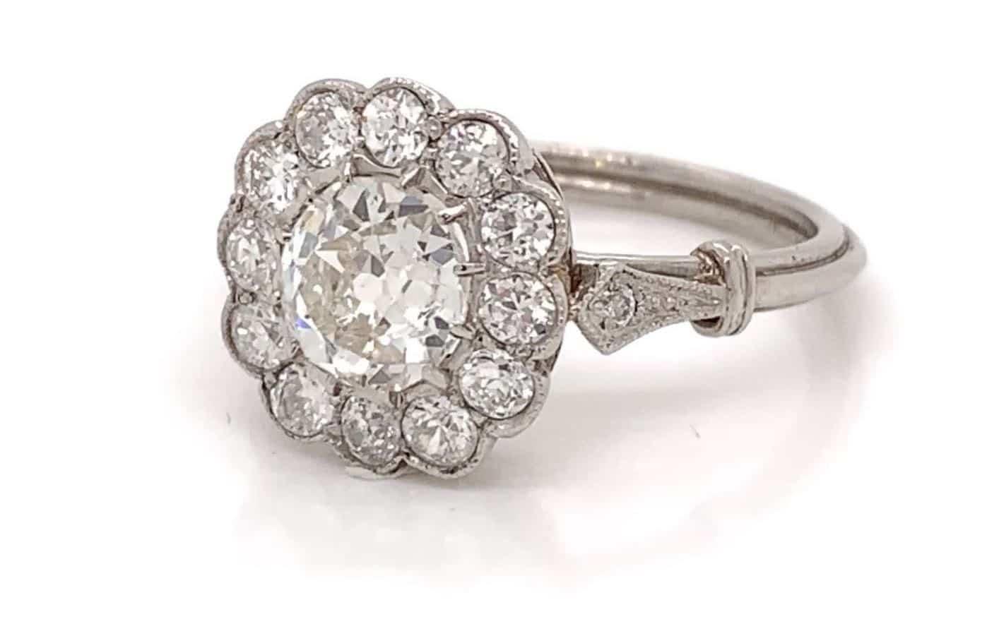 bague de fiançailles fleur en diamant