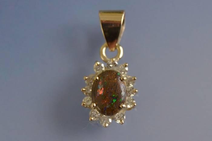 pendentif ancien opale