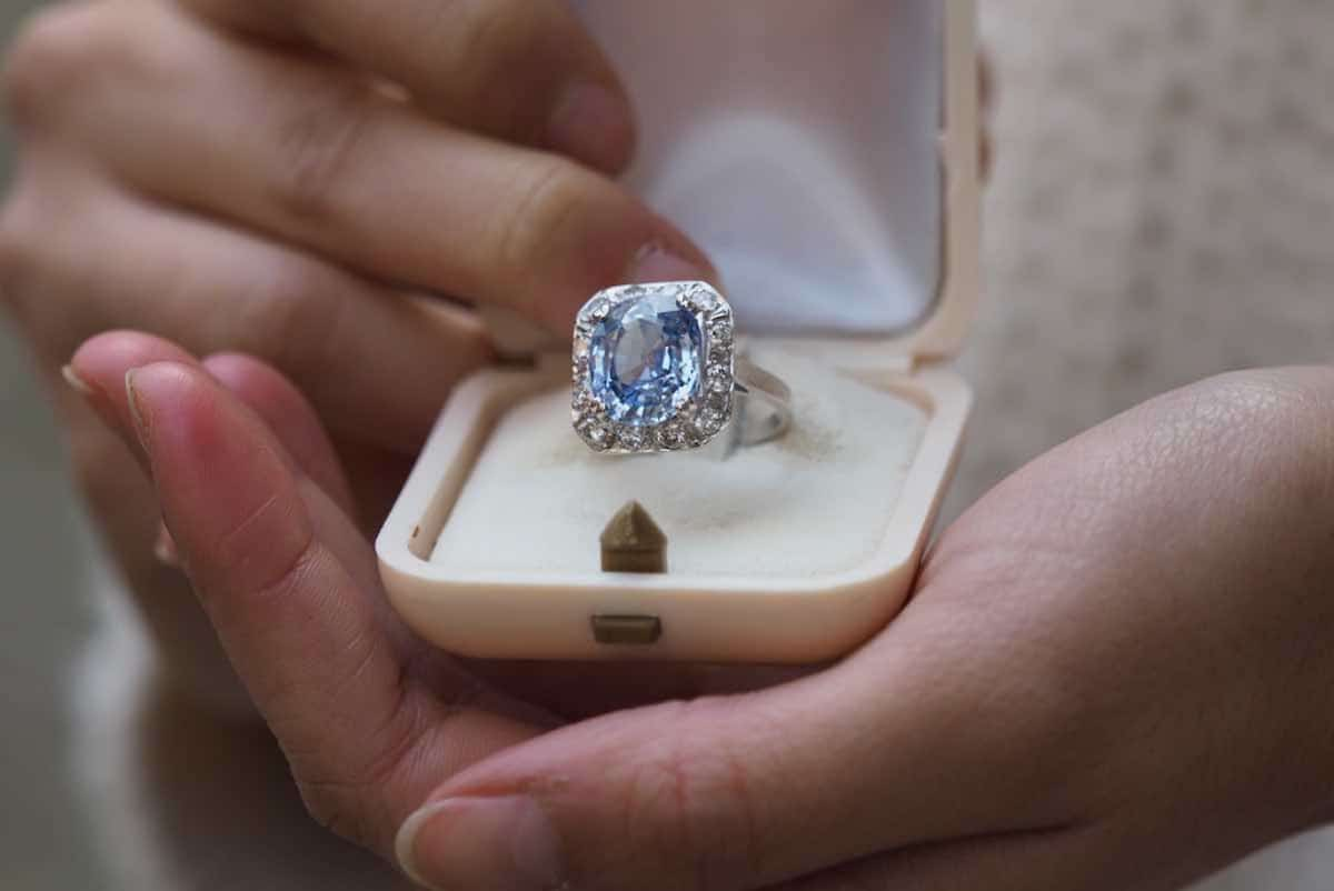 saphir bleu et diamants