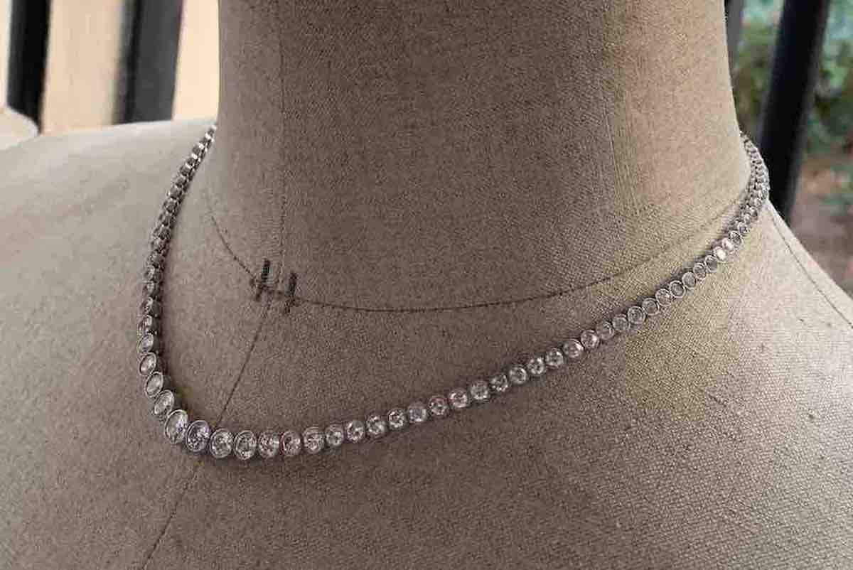 beau collier diamants