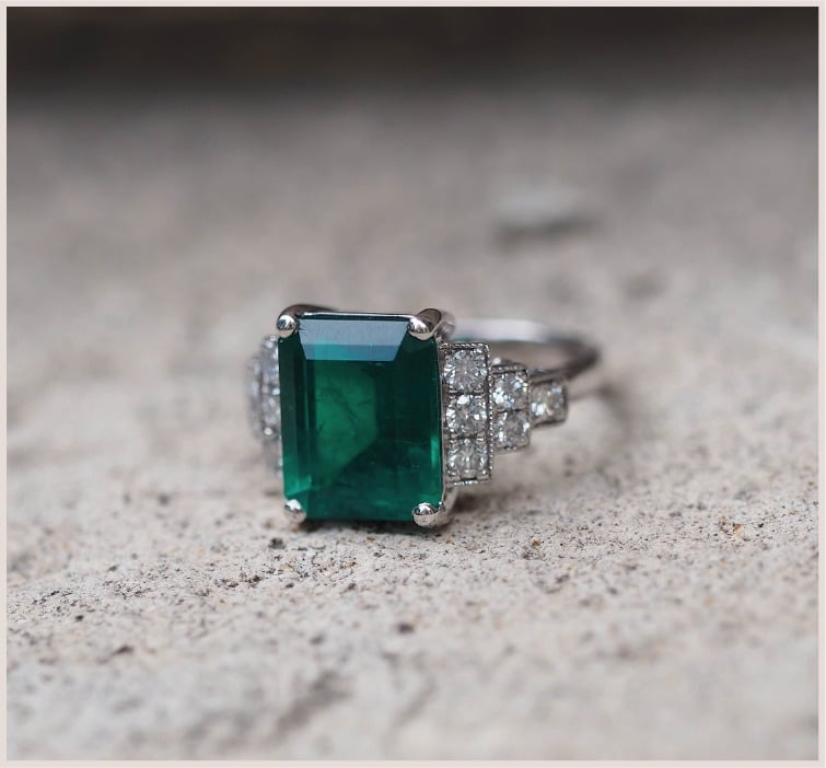 bague vintage emeraude et diamants