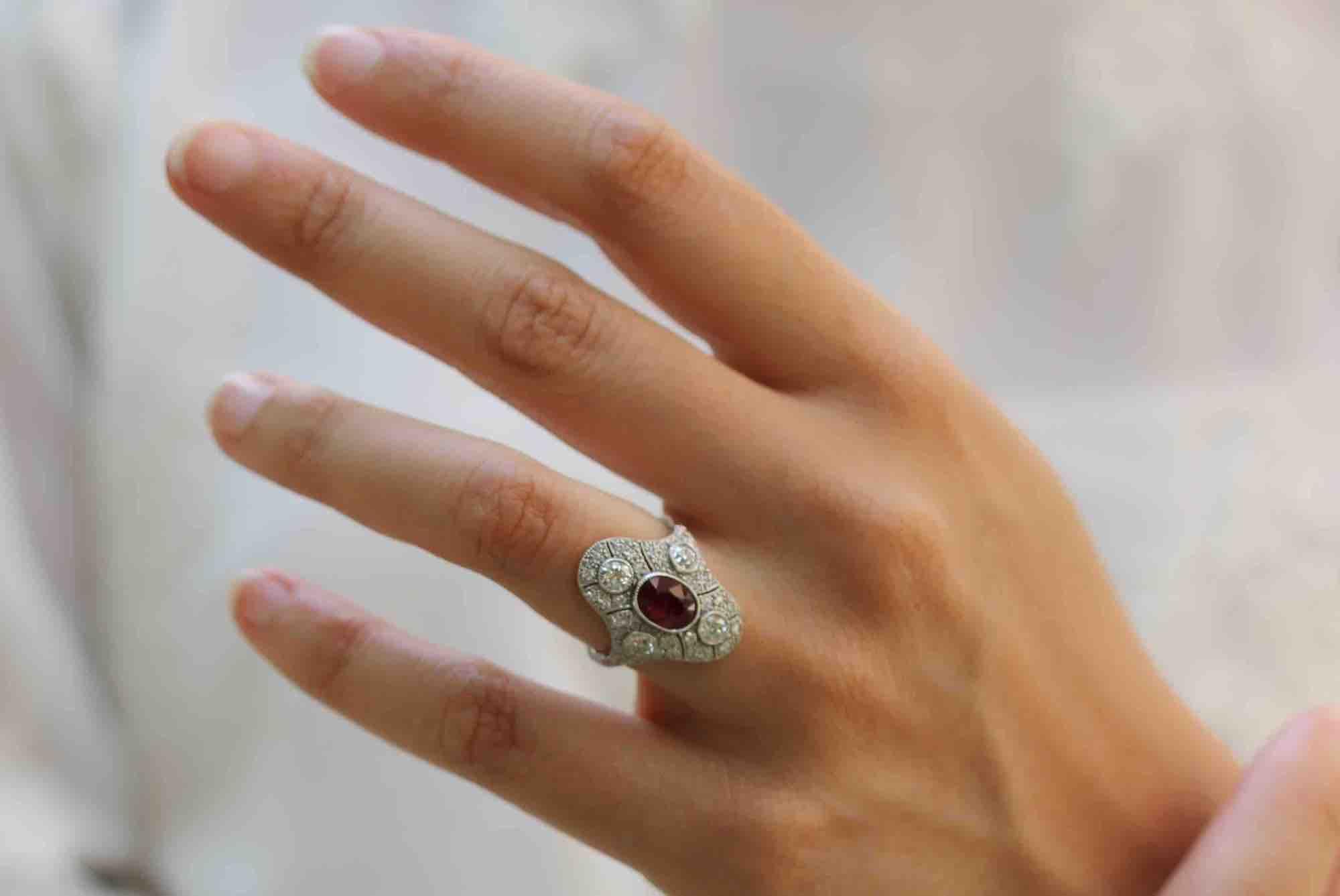 bague de fiançailles ancienne rubis