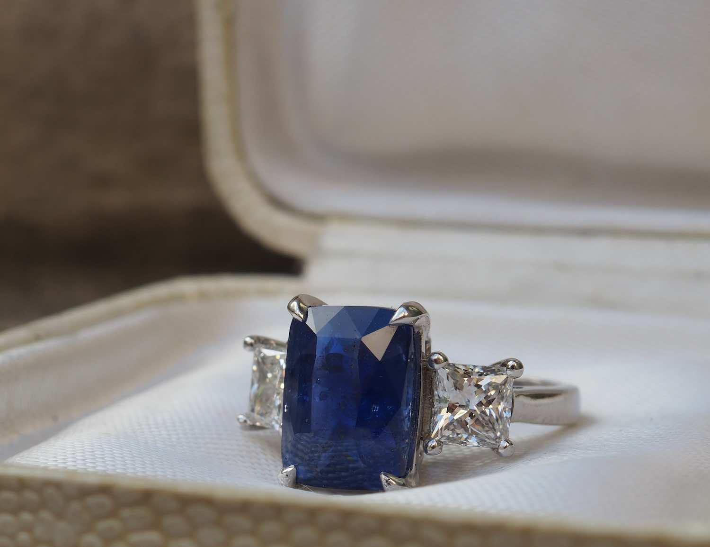 bague vintage d'occasion saphir et diamants