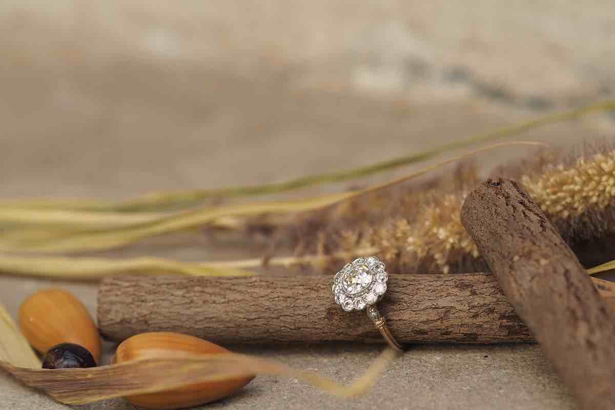 bague fleur diamants