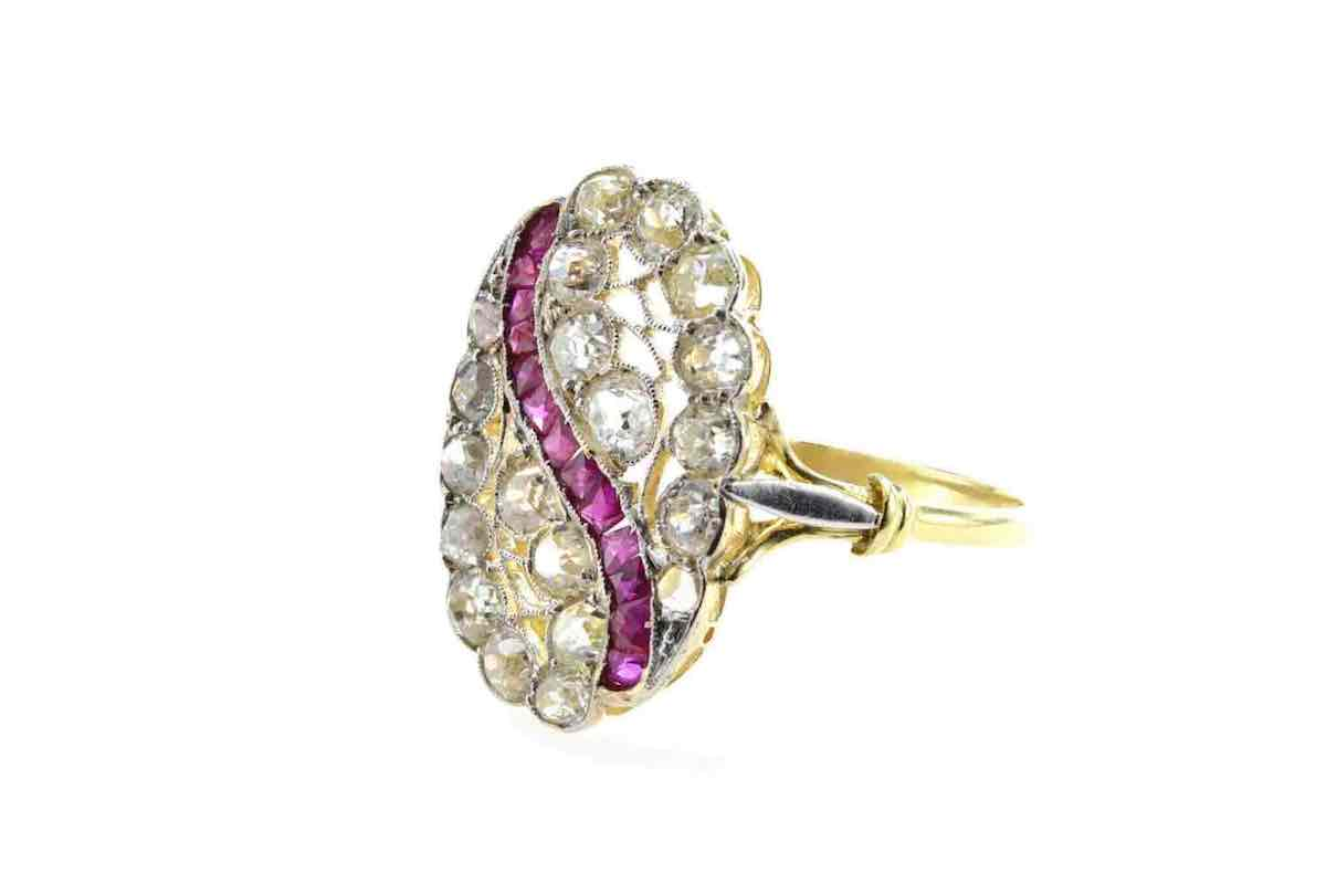 jolie bague en vente en or et diamants