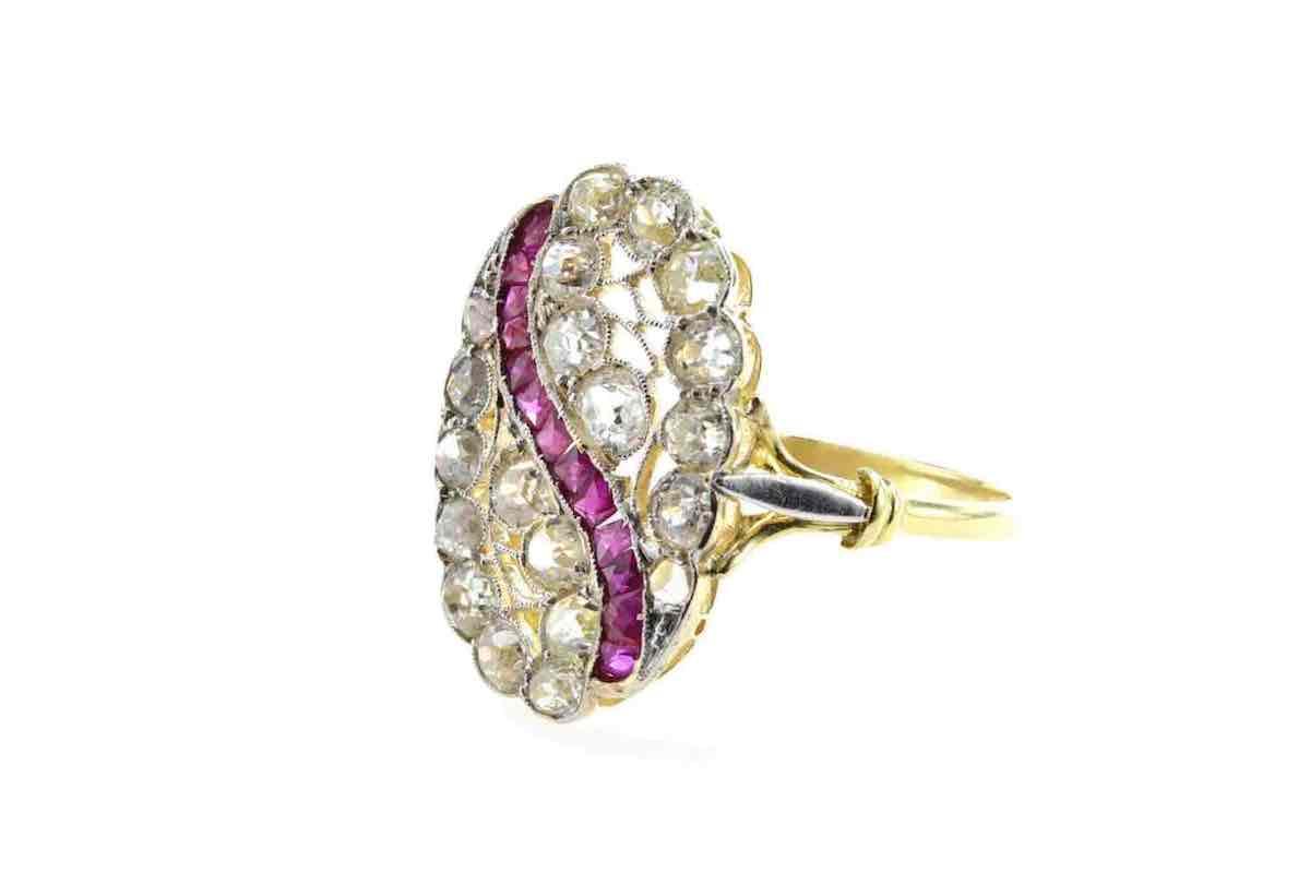 bague or diamants et rubis