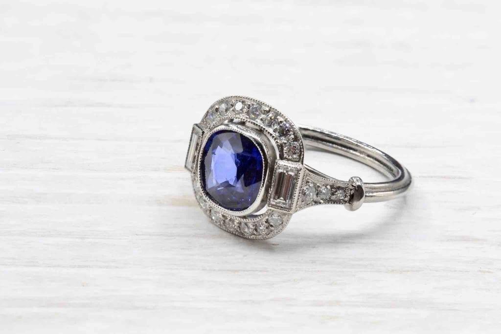 achat bague saphir diamants ancienne