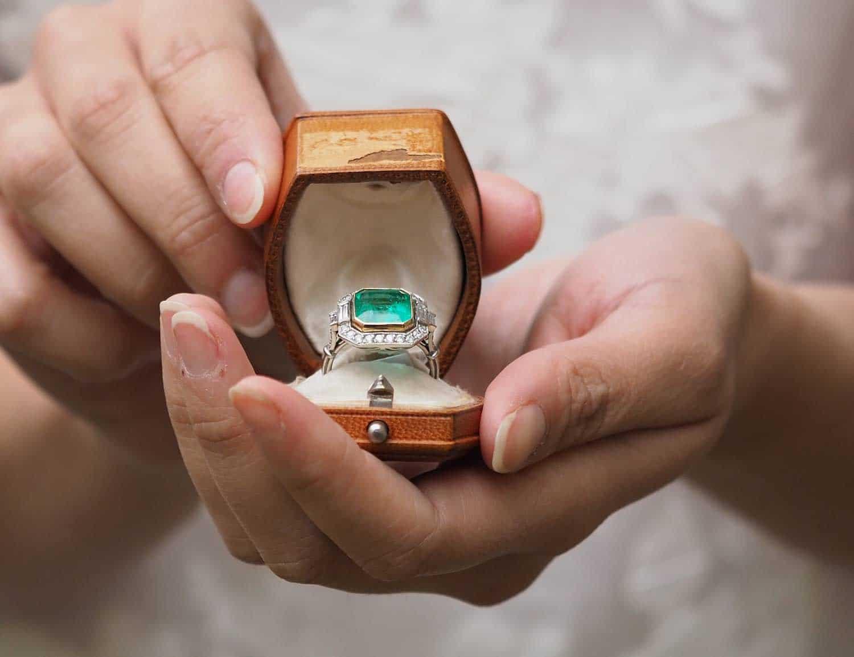 Bague de fiançailles émeraude