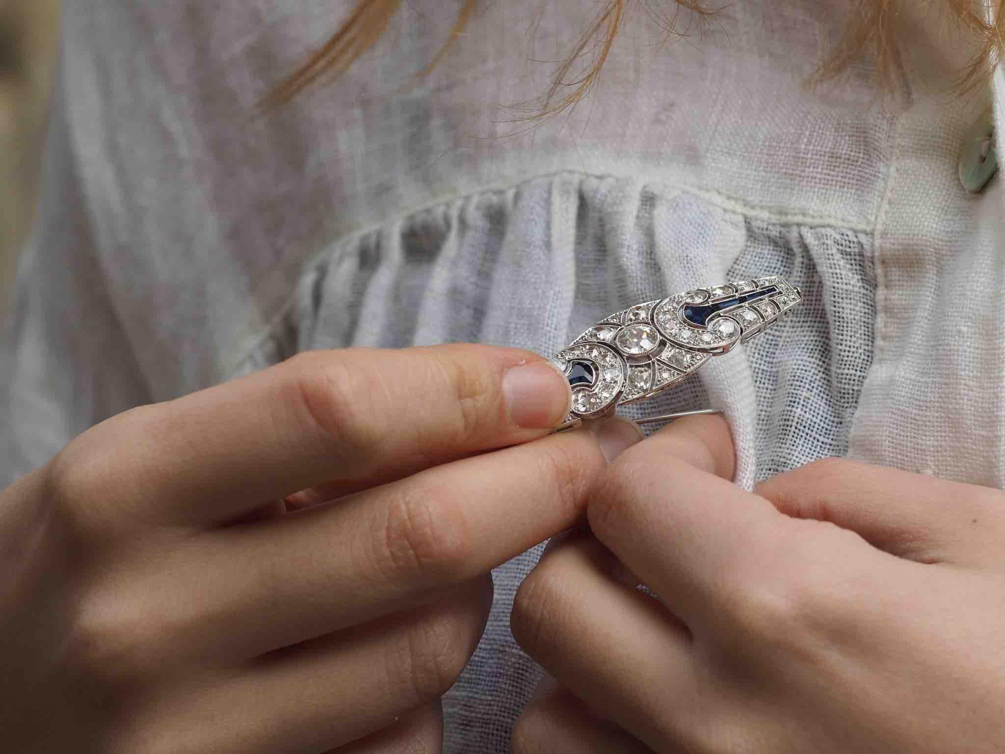 Broche diamants art-déco