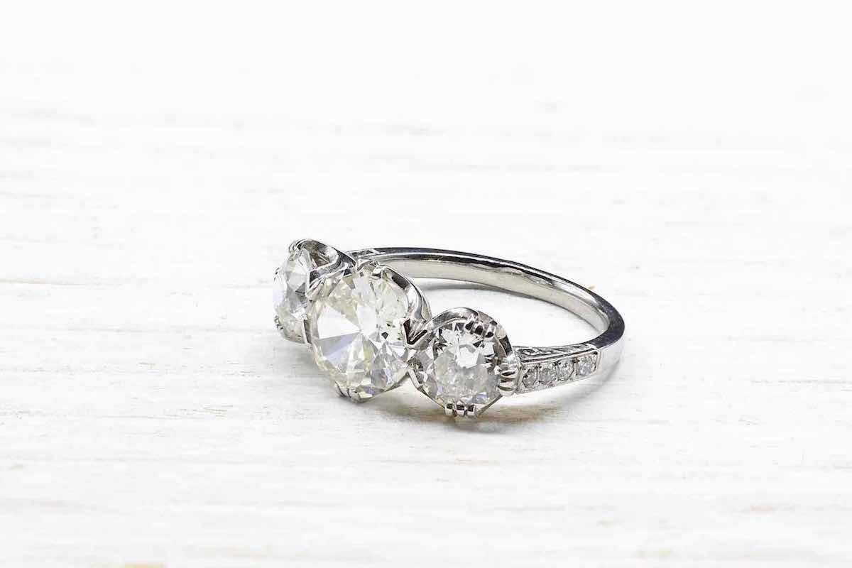 bague trois diamants en or