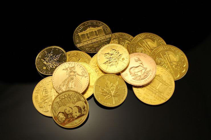monnais en or jaune